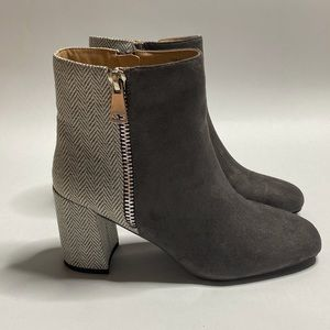 JC JOURNEE COLLECTION Sarah Ankle Boots